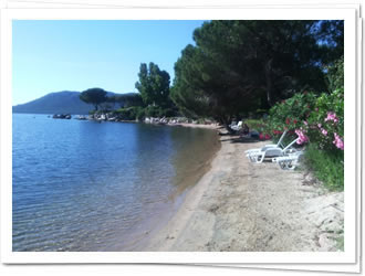 Location Mini Villa Les Pieds Dans L Eau Corse
